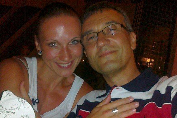S priateľkou Ivkou. Spolu s dcérou Natáliou a jeho mamkou patrí k najdôležitejším ženám jeho života.