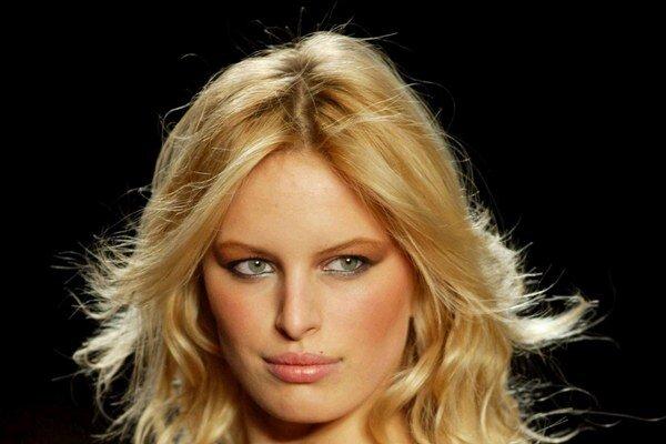 Patrí k najkrajším ženám sveta. Karolína je topmodelkou od pätnástich.