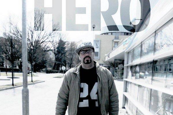 Maďarský reper Hero. Evu Varholíkovú roznosil bez milosti.