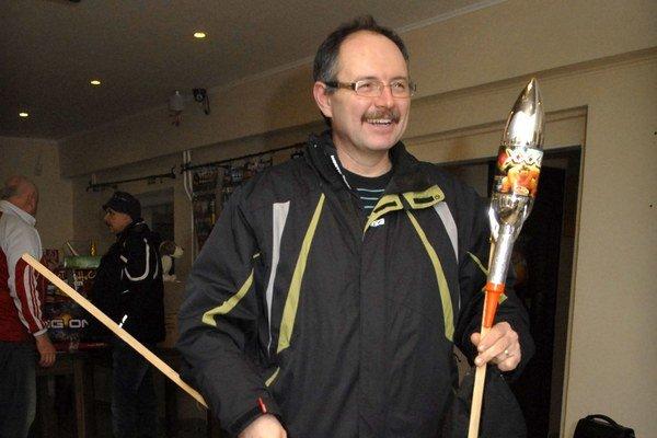 """Raketový ozembuch. Vili Kalman si dokázal """"zahrať"""" i na takom inštrumente."""