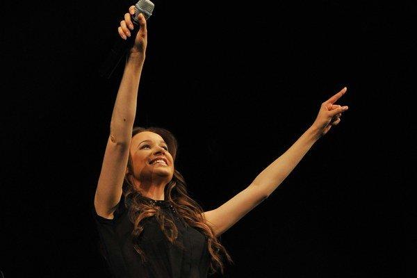 Kristíne sa mimoriadne darí. Do roka vstúpila s novým singlom.