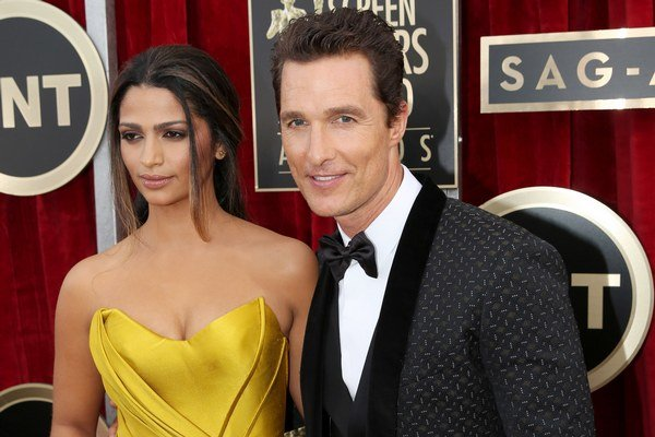 Matthew McConaughey s manželkou.