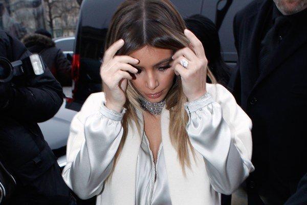 Kim Kardashian. Je v klube slávnych, ktorých okradol ten istý páchateľ.