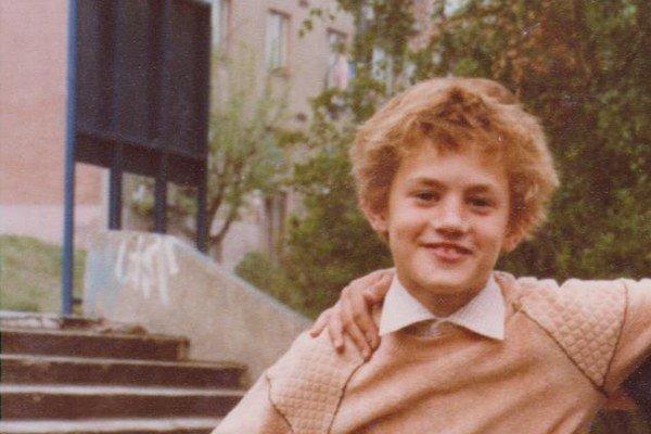 Detstvo Petra Nádasdiho. Takto herec vyzeral v skutočnosti.