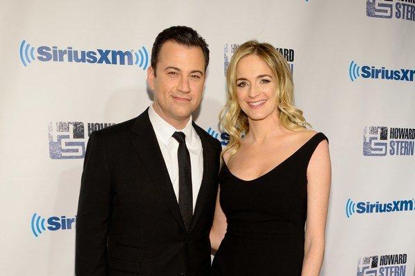 Americký moderátor a komik Jimmy Kimmel s manželkou.