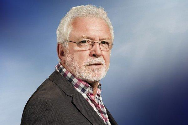 Jaromír Hanzlík. Charizmatický herec si užíva predčasný dôchodok.