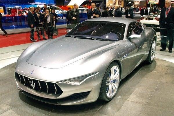 Koncepčné Maserati Alfieri. Táto nádherná štúdia nesie meno po jednom z piatich bratov, ktorí pred sto rokmi založili firmu Maserati.