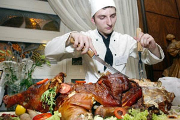 Zamestnávatelia hľadajú aj kuchárov. V súčasnosti sú voľné tri takéto pozície.