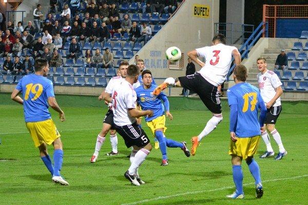 MFK Zemplín doma stratil prvé body. S juniormi trnavského Spartaka iba remizoval 1:1.