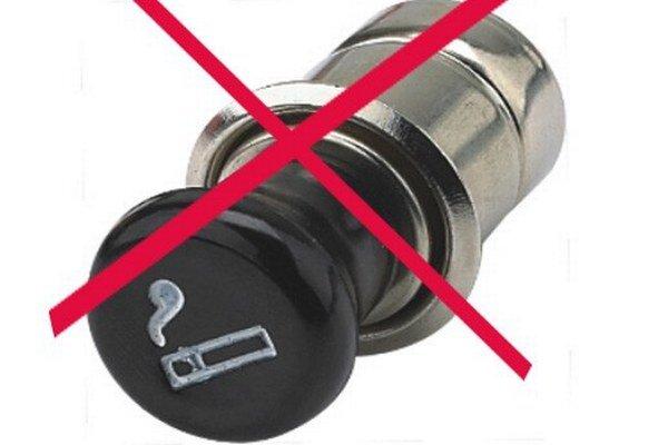 Zapaľovače vautách Hyundai končia. Väčšina vodičov si žiada namiesto zapaľovača cigariet prípojku pre zariadenia USB.
