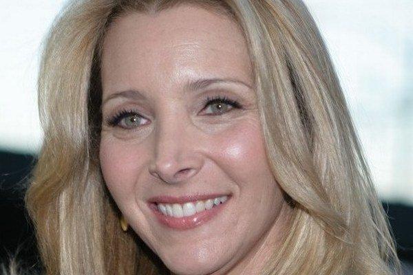 Slávi 50. Seriálová Phoebe si nechala zmeniť nos, keď mala 16.