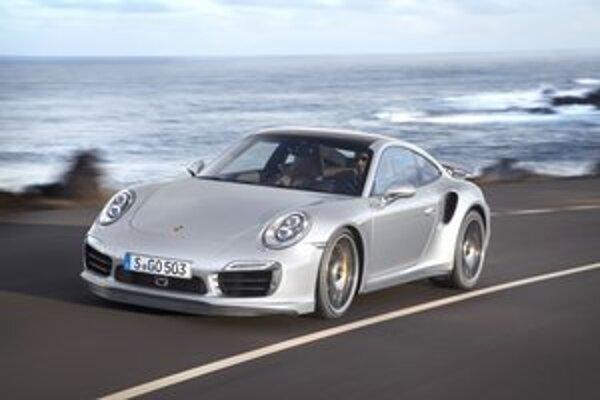 Porsche 911 Turbo novej generácie. Nový model predstavilo Porsche pri príležitosti 40. výročia prvej deväťstojedenástky s prepĺňaným motorom.