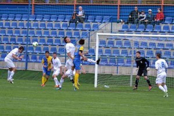 Michalovčania zakončili sezónu víťazne. Nováčika zo Šamorína porazili vďaka dvom gólom Michala Hamuľaka 2:0.