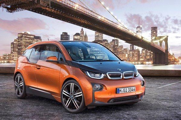 Elektromobil BMW i3. Prvý sériový elektromobil bavorskej automobilky BMW bude mať premiéru na frankfurtskom autosalóne.