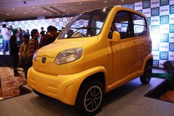 Miniautomobil Bajaj RE60. Na vývoji tohto vozidla, ktoré má byť najlacnejším na svete, spolupracovala aj skupina Renault Nissan.