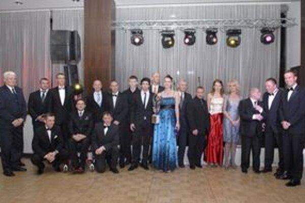 Defilé laureátov. Košická športová elita počas galavečera ŠOK 2011.