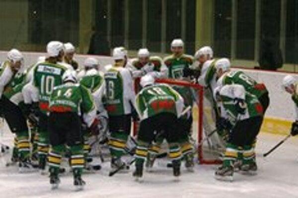 Prievidzskí hokejisti v Liptovskom Mikuláši nebodovali.