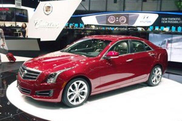 Kompaktná luxusná limuzína Cadillac ATS. Modelom ATS chce firma Cadillac konkurovať napríklad vozidlám BMW radu 3 či Audi A4.