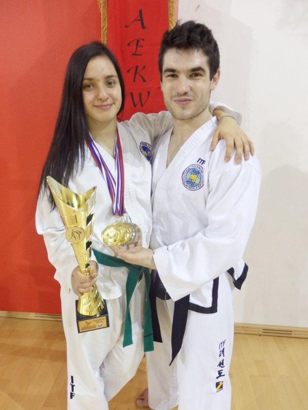 Mária Plevjaková a Dominik Sawicki.