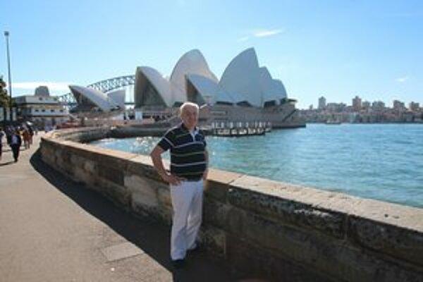 Predstavenie nestihol. Pri opere v Sydney sa však Ander aspoň odfotil.