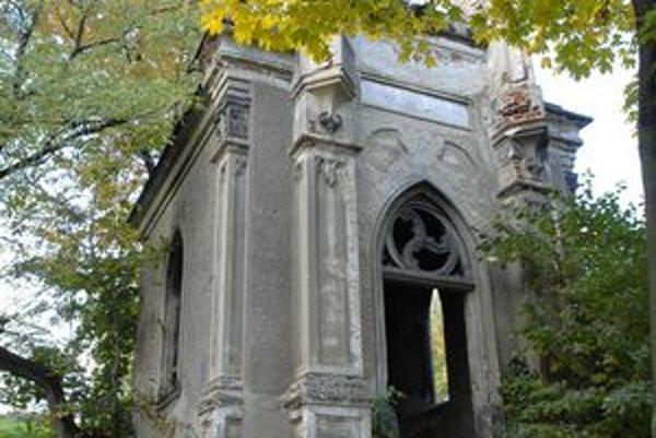 Bývalé pietne miesto. Na pozostatkoch starého evanjelického cintorína má byť memoriálny park.