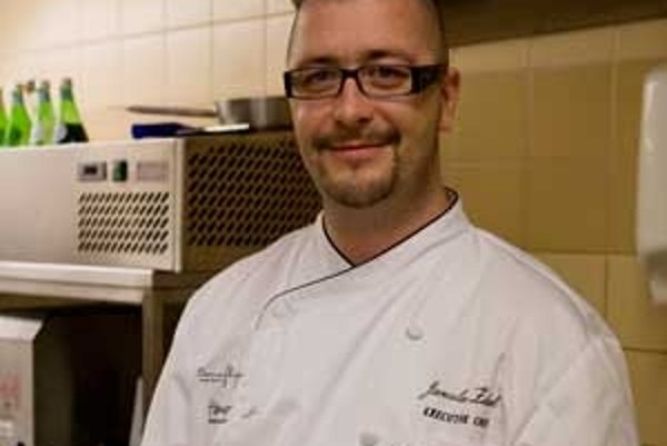 Pochutí si aj vo fastfoode. Vychytený kuchár Jaroslav Žídek však do kvalitného jedla investuje ochotne a často.