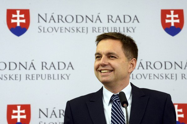 Minister financií Peter Kažimír (Smer-SD).