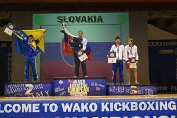 Viliam Vanta. Teší sa na najvyššom stupienku z titulu majstra Európy.