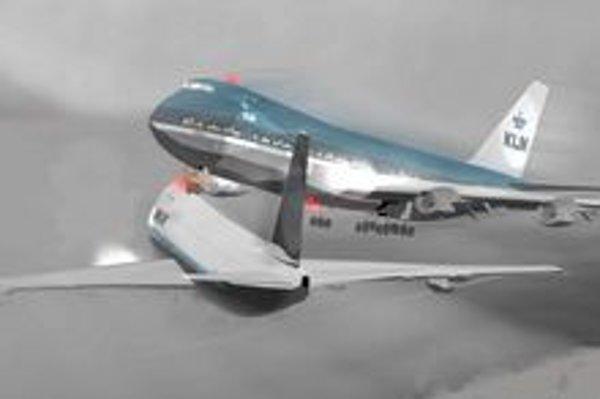 Počítačová simulácia katastrofy. Ani prudké zdvihnutie lietadla KLM už nedokázalo zabrániť bočnému nárazu do amerického boeingu.