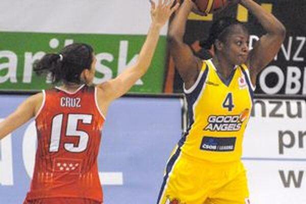 Najlepšia strelkyňa Košíc Danielle McCrayová dala v zápase s Rivas Ecópolis 20 bodov.