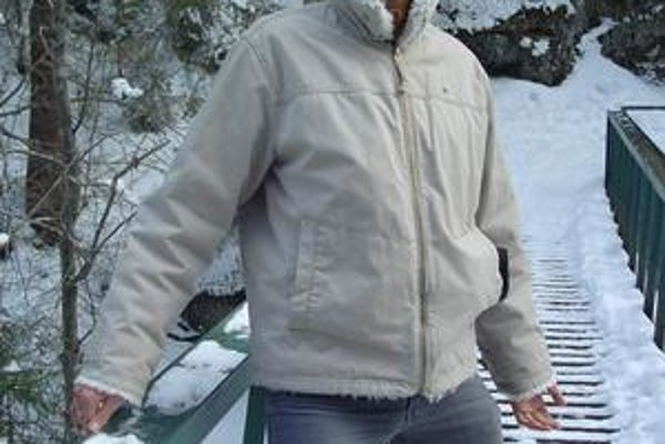 Mikuláš Macala obľubuje aj dlhé zimné prechádzky.