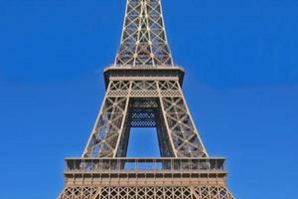 Eiffelova veža bola postavená pre svetovú výstavu v roku 1889, po ktorej mala byť demontovaná.