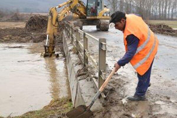 Povodňové problémy na Roňave sa opakujú často.