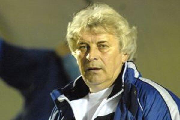 Nový tréner. Na lavičku V. Tatier si na posledné kolá zasadol Ladislav Lipnický.