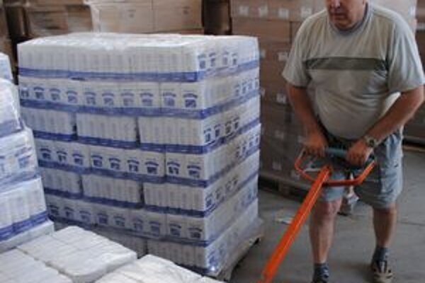 V Michalovciach už rozdali chudobným vyše 30 ton hladkej múky a cestovín.