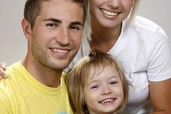 Rodinka Šestákovcov. Stano s manželkou Ľudmilou a dcérkou Lilianou.