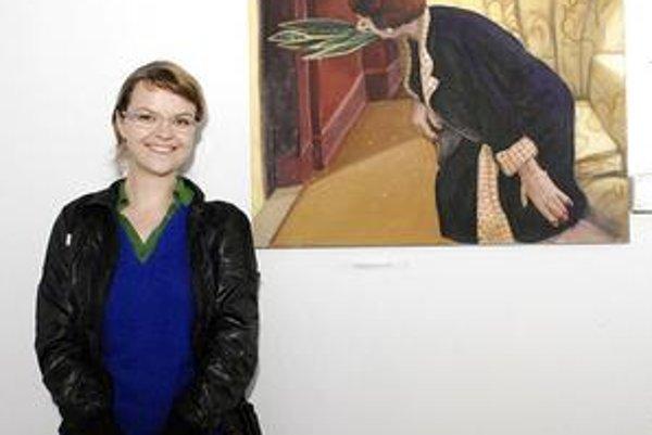 Jemne pôsobiaca výtvarníčka. Obrazy Lucie Dovičákovej sú však riadne úderné.