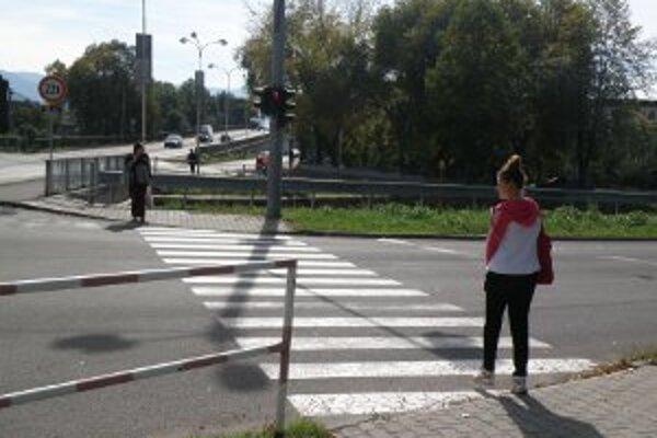 Križovatky v Prievidzi sú vybavené aj zvukovými signálmi.