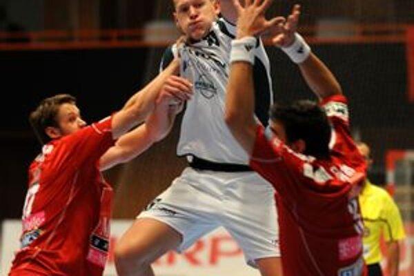 Dajnisovi Kristopansovi sa strelecky darilo v úvode zápasu, potom si už obrana hostí dala na vysokánskeho Lotyša pozor.