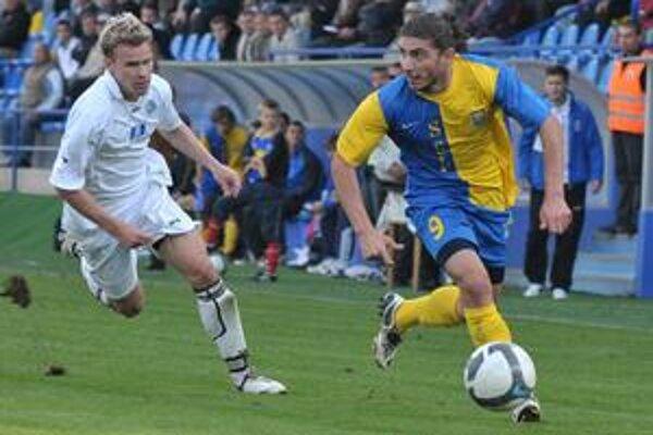 Zemplínske derby sa skončilo víťazstvom triedy. Ovýhru Michaloviec sa jedným gólom postaral aj G. Gamkrelidze (s loptou).
