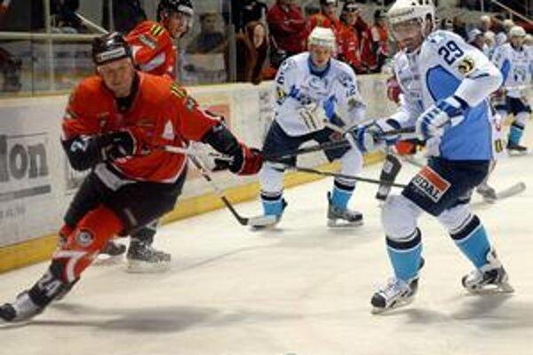 Kapitán baranov Richard Šechný dnes čaká dobrý hokej.
