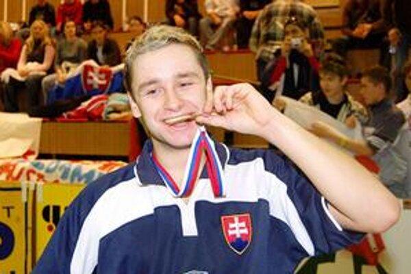 Obhájil titul. Milan Ižol z DPMK Košice je opäť majstrom Slovenska v kategórii jednotlivcov.