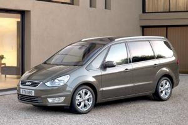 Zmodernizovaný Ford Galaxy. Podobne bol zmodernizovaný aj sesterský typ S-Max.