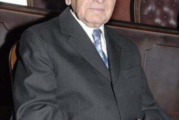 Jubilujúci historik. Prof. PhDr. Ondrej R. Halaga, Dr. SC. h. c., sa dožil 4. marca 2010 významného životného jubilea 92 rokov.