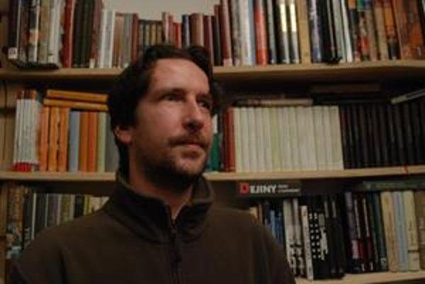 Marek Vadas. Košičan sa presťahoval do Bratislavy, kde popri práci tvorí úspešné knihy.
