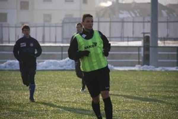František Brezničan (v zelenom). Tvrdí, že tlak musí byť.