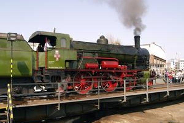 Poľský rušeň Ol12-7. Tento rušeň, vyrobený v roku 1912, je najstarším fungujúcim rušňom v Poľsku.