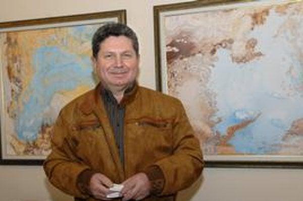 Andrej Smolák, rodák z Humenného, získal za svoju tvorbu mnoho významných ocenení - Svetovú cenu Salvadora Dalího i Európsku cenu Franza Kafku.
