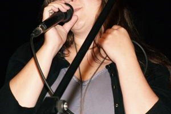 Katka Koščová. Speváčka je jedným z patrónov projektu Challenge Europe.