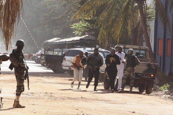 Útok na hotel Radisson Blu v metropole Mali Bamako.